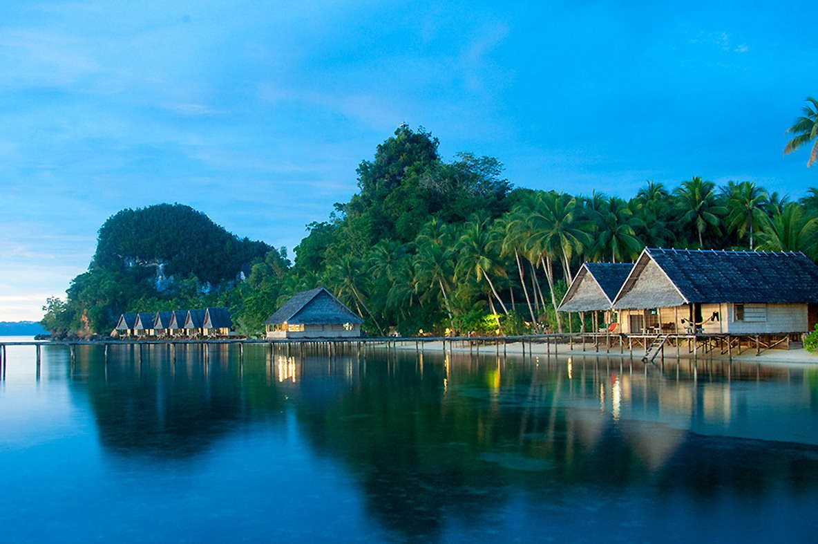 RAJA 4 DIVERS (PULAU PEF, RAJA AMPAT (PAPÚA OCCIDENTAL), INDONESIA)